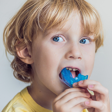 Child treat on his tooth pain